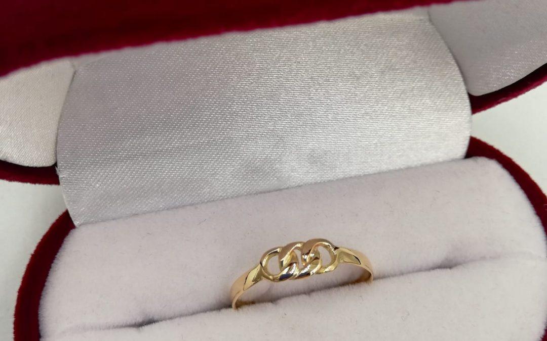 Anillo cadena de oro